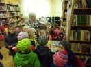 Bibliotekę odwiedziły dzieci_10